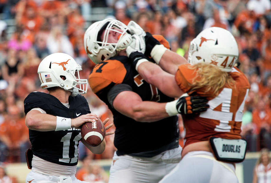 Breckyn Hager (44) impressed Texas coaches with his conditioning during spring ball. Photo: Ana Ramirez, Associated Press / Austin American-Statesman
