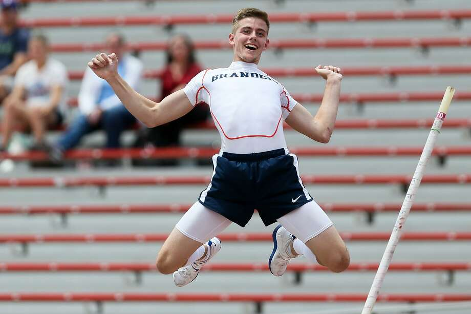 Brandeis' Logan Fraley reacts after setting a new 6A Regional meet record of 16 feet, 3 1/4 inches in the 6A boys pole vault during the Region IV-6A and Region IV-5A track and field meets at Alamo Stadium on Friday, April 27, 2018.  MARVIN PFEIFFER/mpfeiffer@express-news.net Photo: Marvin Pfeiffer, Staff / San Antonio Express-News / Express-News 2018