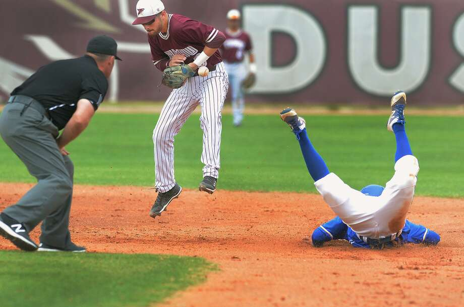 Mario Ramirez and the Dustdevils dropped their 13th straight game Friday afternoon — tying their second-longest streak of all-time — losing a doubleheader to St. Mary's 5-0 and 11-0 at Jorge Haynes Field. Photo: Cuate Santos /Laredo Morning Times / Laredo Morning Times
