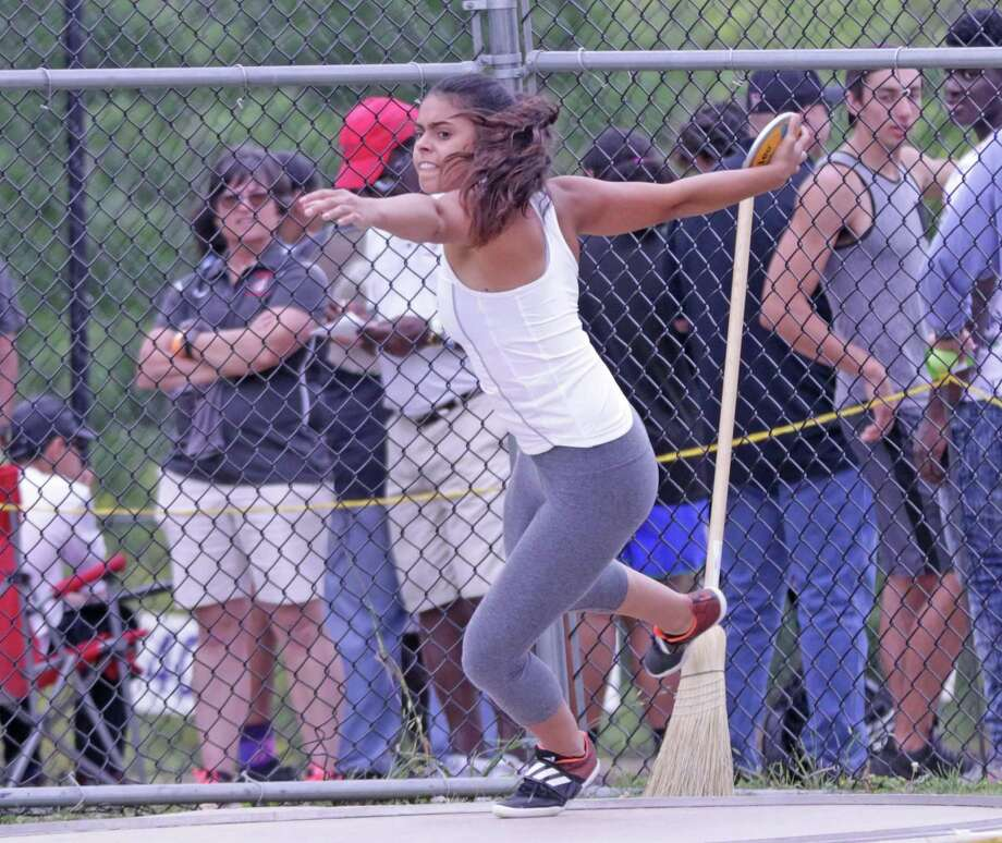 United's Sadey Rodriguez won her first regional title in the discus Friday with a throw of 155-01. Photo: Clara Sandoval / Laredo Morning Times