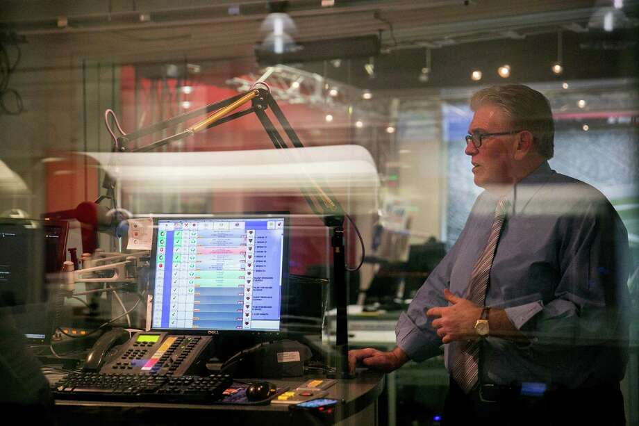 Mike Francesa, whose retirement from WFAN lasted four months, is back. Chip Malafronte says that while the brief respite doesn't look particularly good for Francesa, the pairing should be a welcome reunion for listeners. Photo: Sam Hodgson / NYT / NYTNS