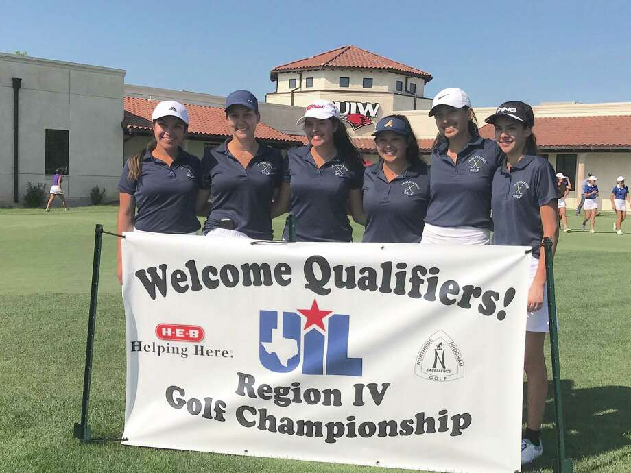The Alexander girls' golf team finished in the top 10 at the regional tournament to end the 2018 season. Photo: Courtesy Of Alexander Athletics