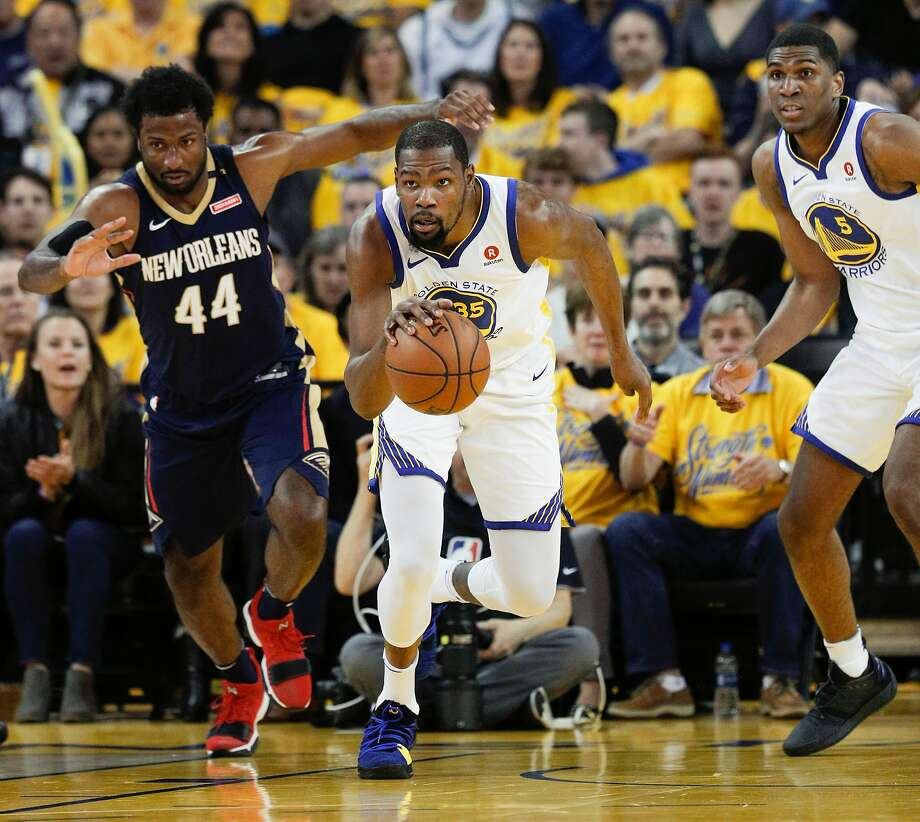 Golden State Warriors' Kevin Durant runs the ball up court in the first quarter during game 1 of round 2 of the Western Conference Finals between the Golden State Warriors and the New Orleans Pelicans at Oracle Arena on Saturday, April 28, 2018 in Oakland, Calif. Photo: Carlos Avila Gonzalez / The Chronicle