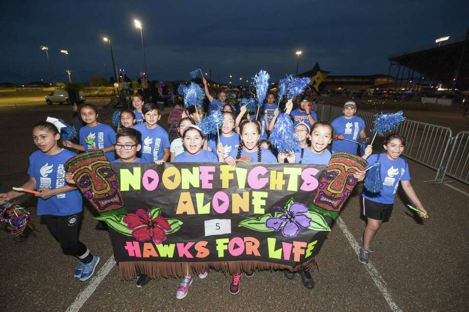 A group of Heights Elementary School students take part in the annual Relay for Life fundraiser on Saturday at the UISD Student Activity Complex. Photo: Danny Zaragoza / Laredo Morning Times
