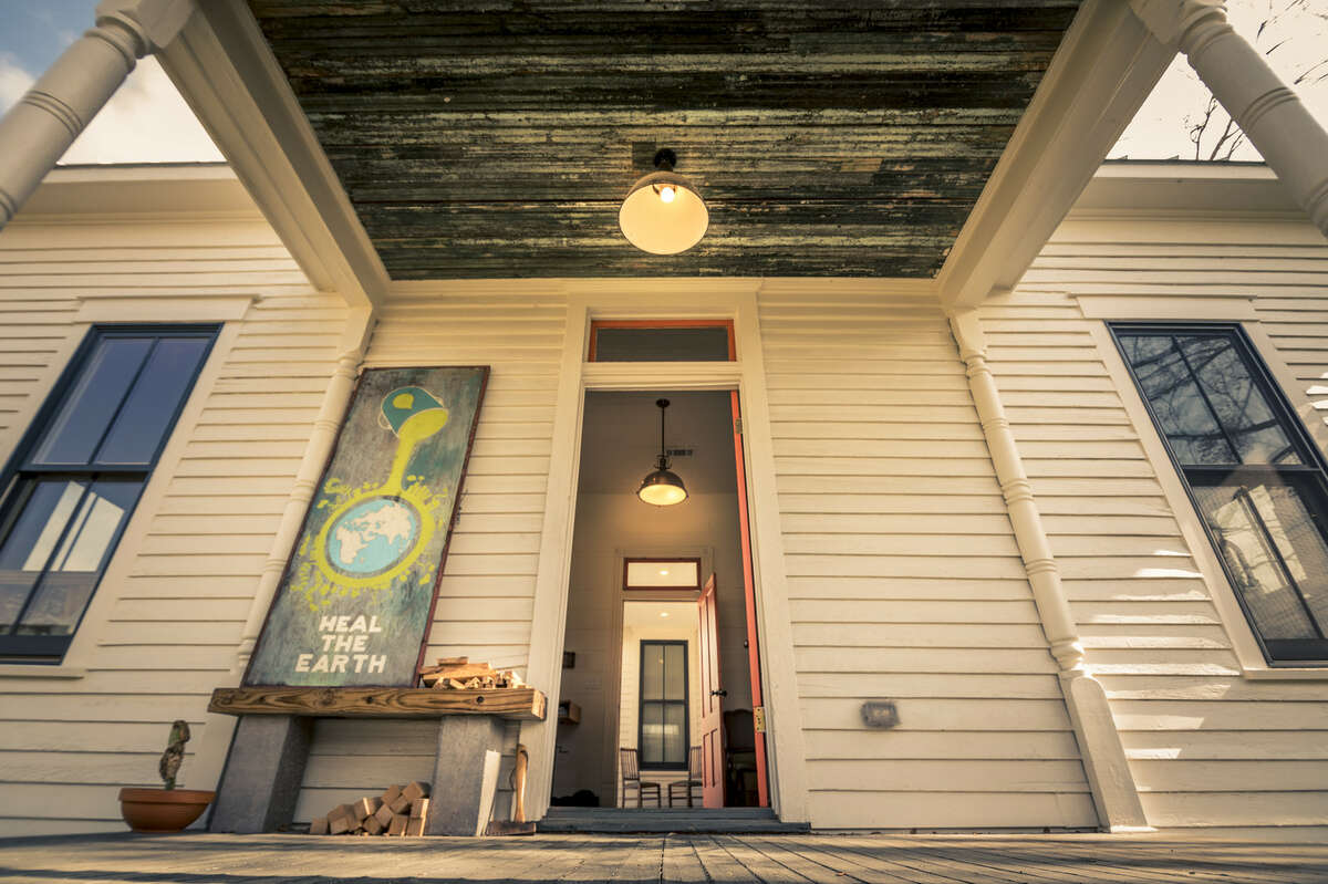Two 1895 Houston homes located at 3408 Garrow are for sale in East Downtown. They were originally bought by Michael Skelly and Anna Whitlock in 2014 to refurbish them with modern luxuries. The two homes are for sale as a package deal for $700,000.