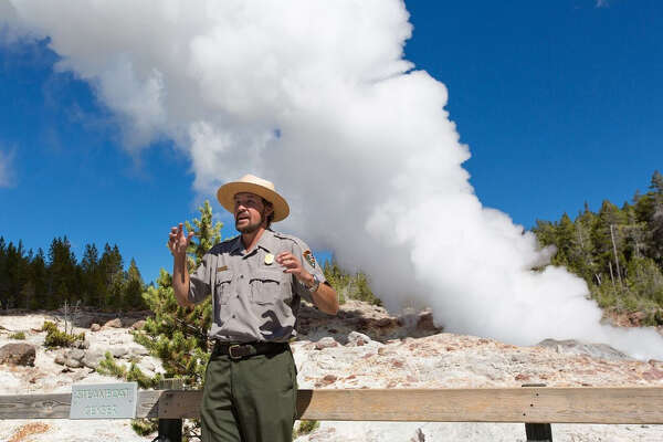 The steam phase of Steamboat Geyser in 2014.