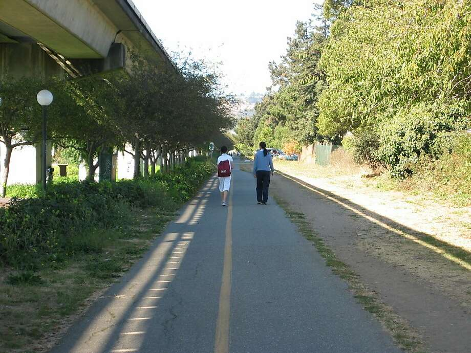 A man was fatally shot in Albany on Sunday morning on the Ohlone Greenway. Photo: Suzanne Pullen / The Chronicle 2006