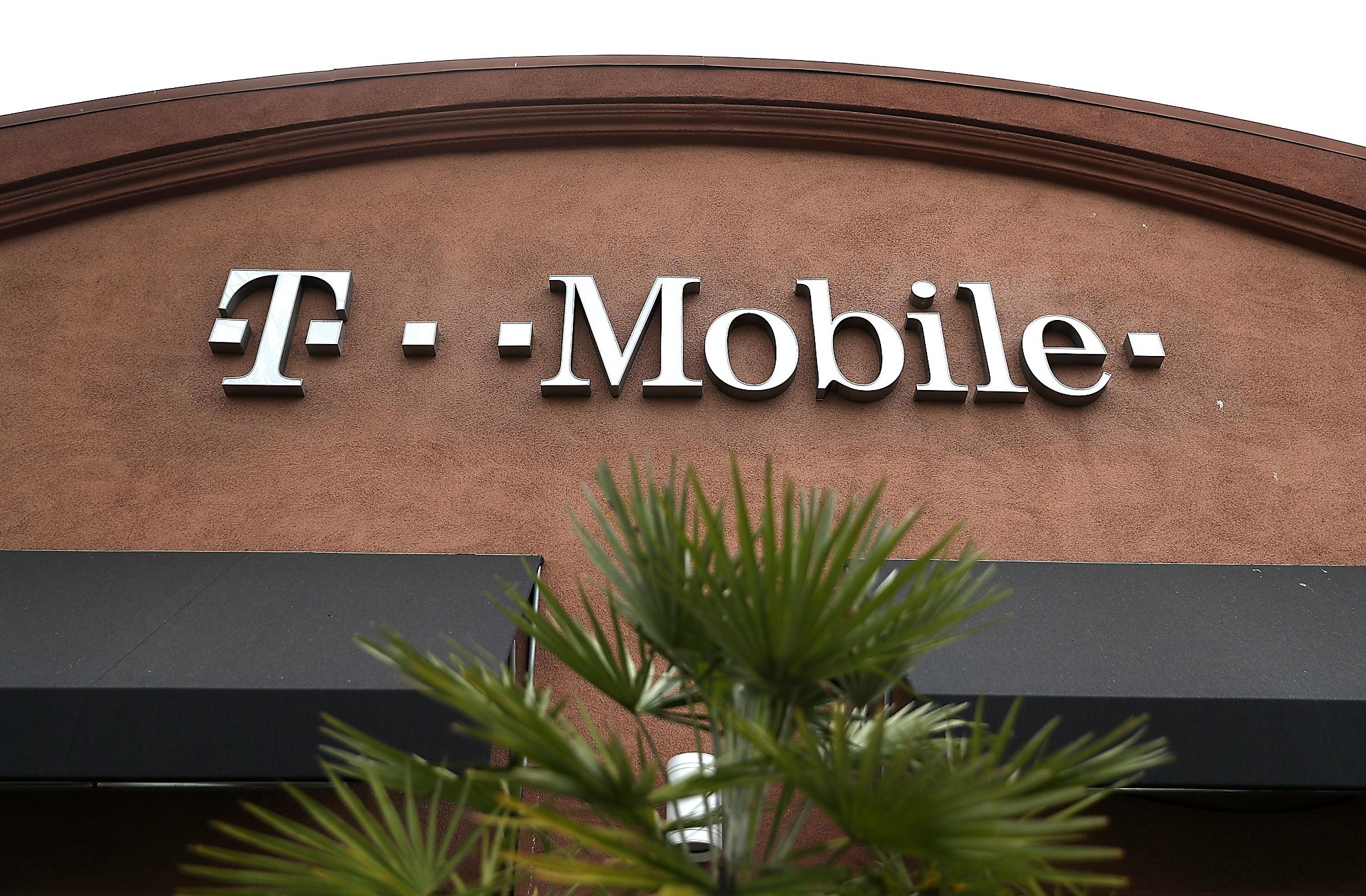 I switched from AT&T to T-Mobile  Here's why, and how it went