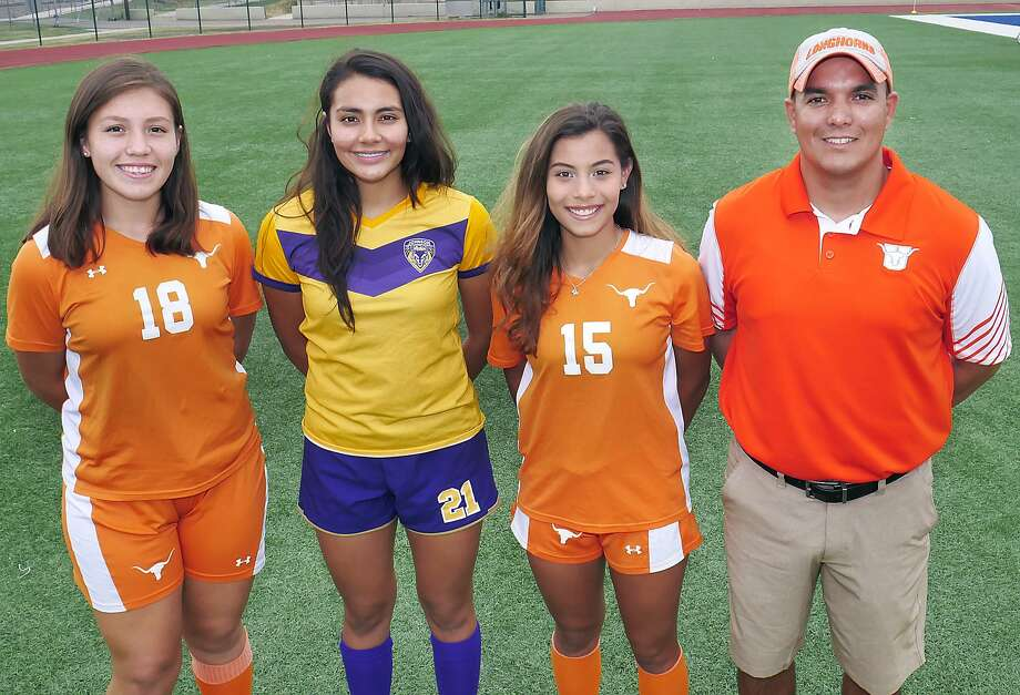 The All-City main award winners include Jessica Duarte (MVP), Alicia Huerta (Goalkeeper of the Year), Mildred Mejia (Defensive Player of the Year) and coach Jerry Vera. Photo: Cuate Santos /Laredo Morning Times / Laredo Morning Times