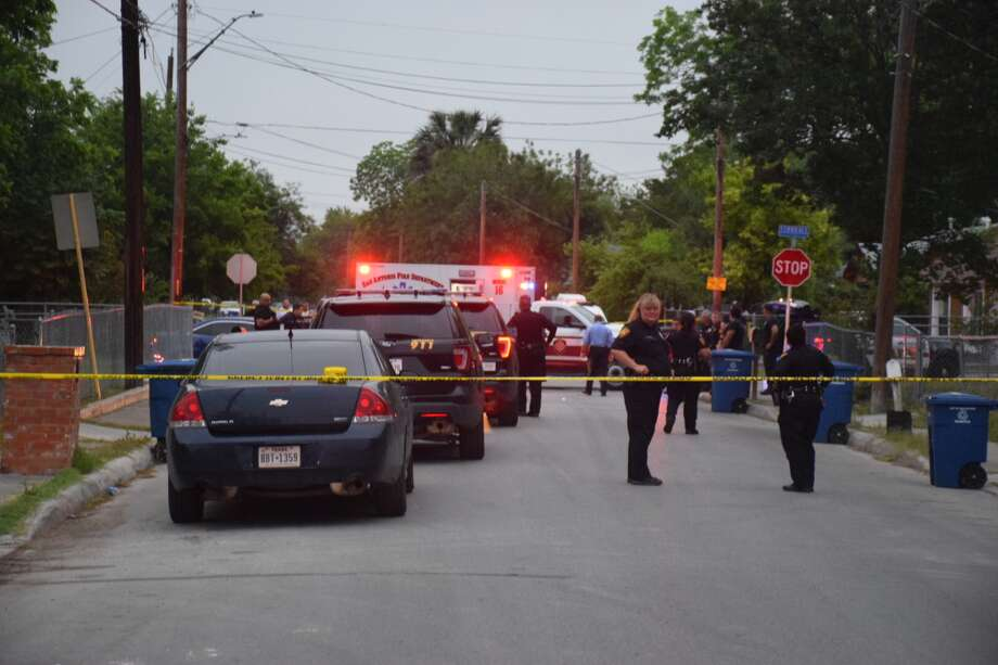 One person was fatally shot by a Department of Homeland Security agent near Ferndale and Vermont streets in San Antonio on Tuesday, May 1, 2018. Photo: Caleb Downs / San Antonio Express-News