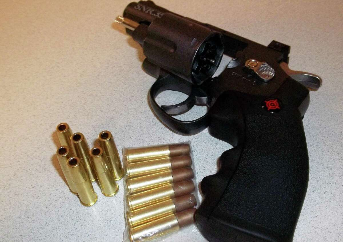 New Canaan police siezed a loaded BB gun during a motor vehicle stop early Tuesday morning.