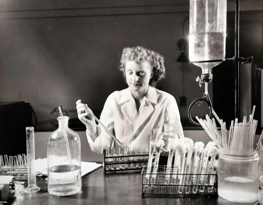 Photo of work at the New Haven Hospital labs in 1945. Provided Courtesy of the Yale-New Haven Hospital Archives Photo: Provided Courtesy Of Yale-New Haven Hospital Archives / New Haven Register