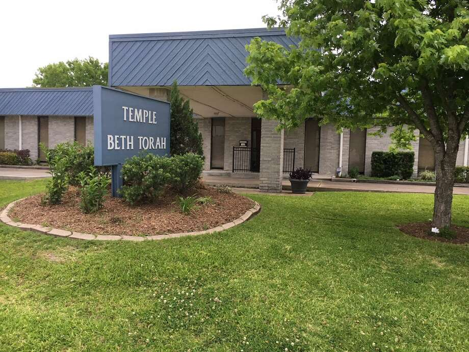 Temple Beth Torah is a temple in Humble with a membership of 85 households. Visitors often show up at the temple to experience what a Jewish worship service is like. Photo: Courtesy Of Rabbi Dan Gordon