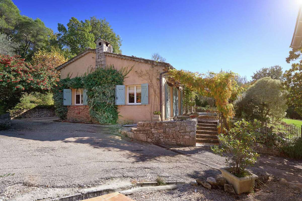 La Pitchoune, once the vacation cottage of Julia and Paul Child in Provence, France, is now the home ofthe Courageous Cooking School.