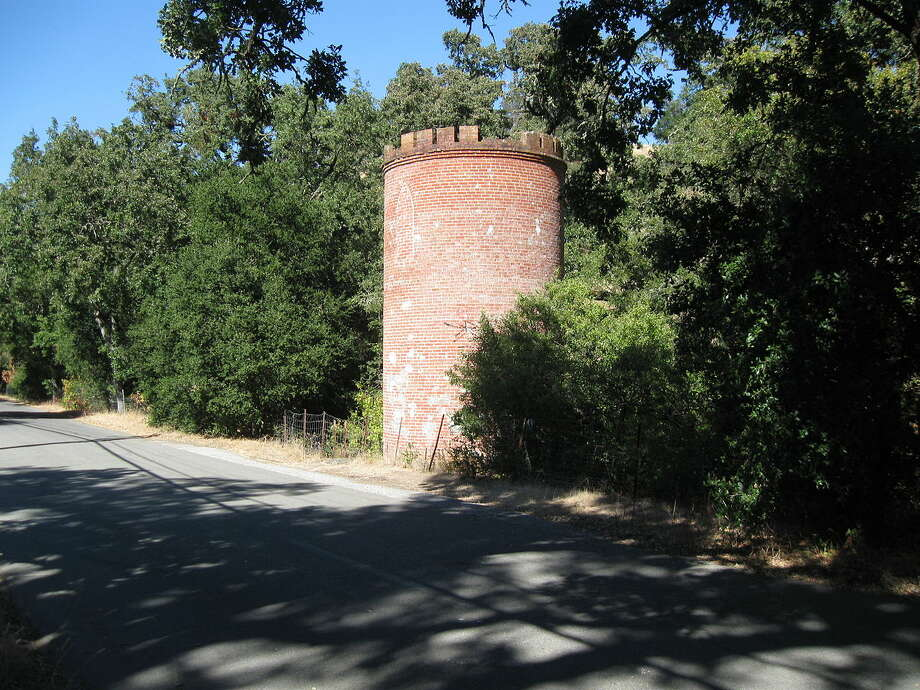 The Frenchman's Tower on Old Page Mill Road in Palo Alto. Photo: Confr/Wikimedia Commons