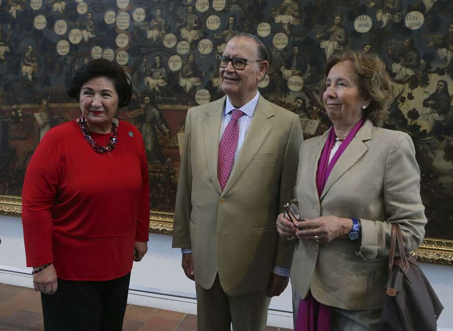 Most Excellent Pedro de Alcantara Roca de Togores, Duque de Bejar (center) and his wife, Most Excellent Marta Roca de Togores, Duquesa de Bejar (right) and Juliette Moke (left) with the Bexar County Heritage Department visit the San Antonio Museum of Art Wednesday May 2, 2018. The Duque de Bejar and the Duquesa de Bejar  are descendants of the Bejars in Spain of which Bexar County got its name. Their visit is part of Tricentennial Week international events. The Duke and Duchess of Bejar, Spain and their family will be touring historic sites and other venues throughout the county. Photo: JOHN DAVENPORT, STAFF / San Antonio Express-News / ©John Davenport/San Antonio Express-News