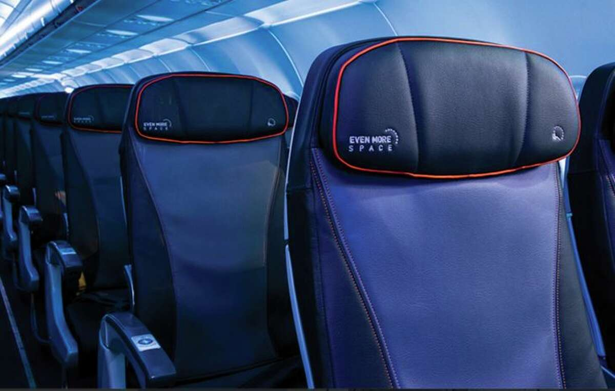 New headrests are coming to JetBlue's A320 seats. (Image: JetBlue)