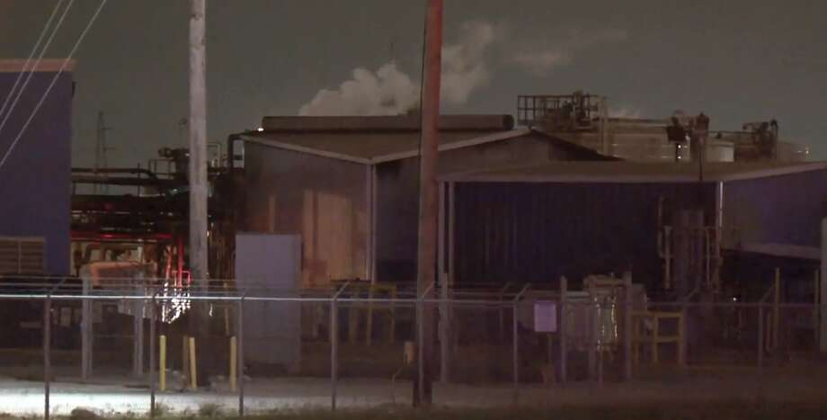 Authorities responded to a tank fire at a plant on 2727 Miller Cut Off Road, on WEdnesday night, May 2, 2018. No injuries were reported. Photo: Metro  Video