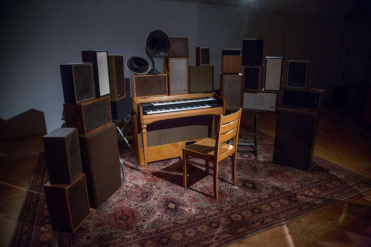 """Janet Cardiff and George Bures Miller, """"The Poetry Machine"""" (2017)"""
