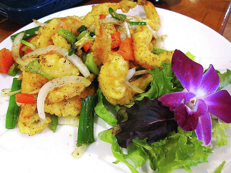 Fantastic Shrimp is a stir-fry of battered shrimp, bell pepper, ginger and onions at Ilsong Garden. Photo: Mike Sutter /San Antonio Express-News