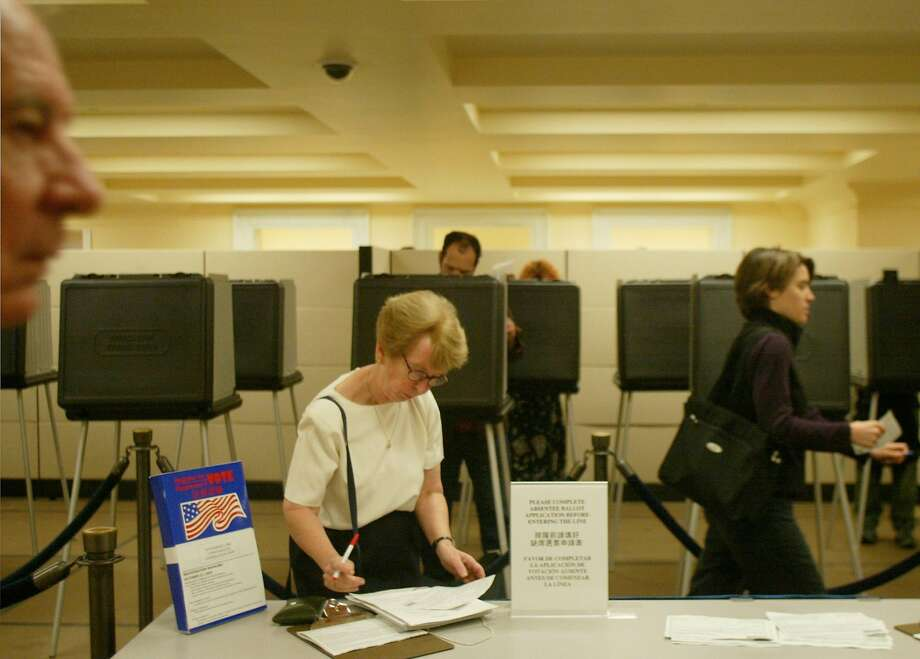 Voters who want to vote early can do so at the City Hall Voting Center starting Monday. Photo: Mike Kepka / San Francisco Chronicle