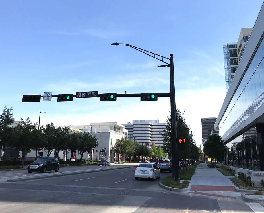 The new traffic light at West Main and Kirby, paid for by Thor Equities, is a win. Right? Photo: Allyn West