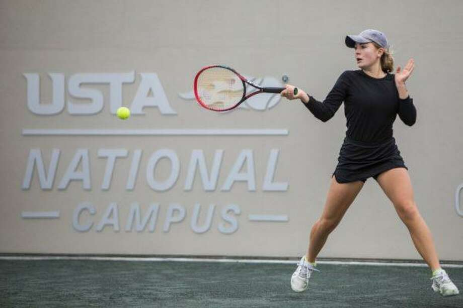 Alamo Heights' Fiona Crawley is an accomplished singles player nationally, but she's chasing a second state doubles title. Photo: Jeff Davies /USTA