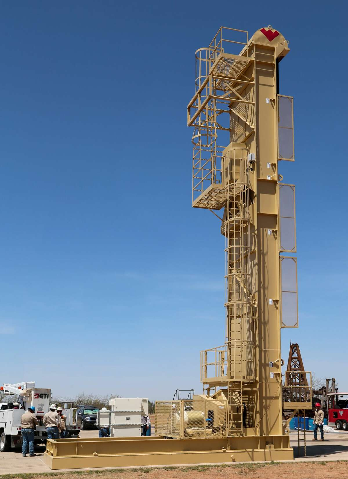 The Rotaflex long-stroke pumping unit towered over the museum in the west parking lot. It was designed to eliminate the need for intermediate-lift methods and allows producers to optimize productivity with its longer stroke, more complete barrel fillage and less wear on surface and downhole equipment.