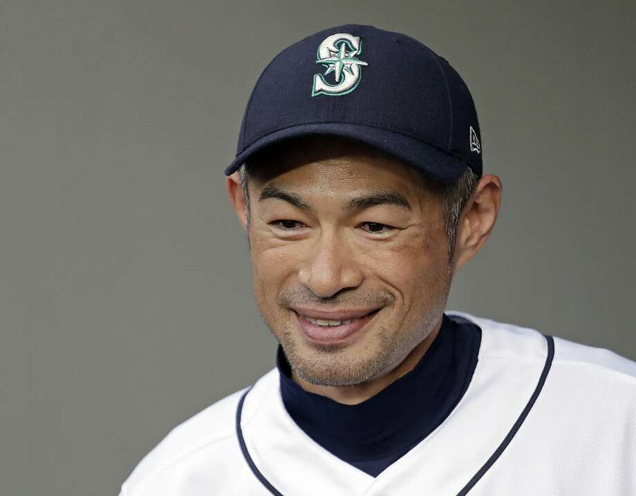 Tom dy texted Ichiro Suzuki about his stretching routine, but ...