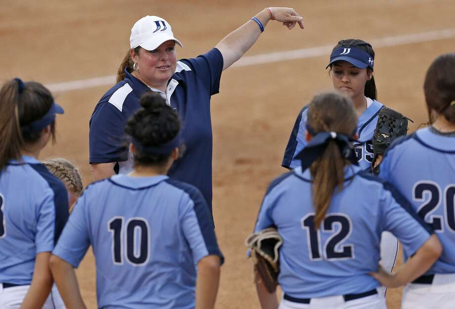 Johnson coach Jennifer Fox and her Jaguars seek a seventh straight District 27-6A championship when they play Madison on Tuesday. Photo: Edward A. Ornelas, Staff / San Antonio Express-News / © 2018 San Antonio Express-News