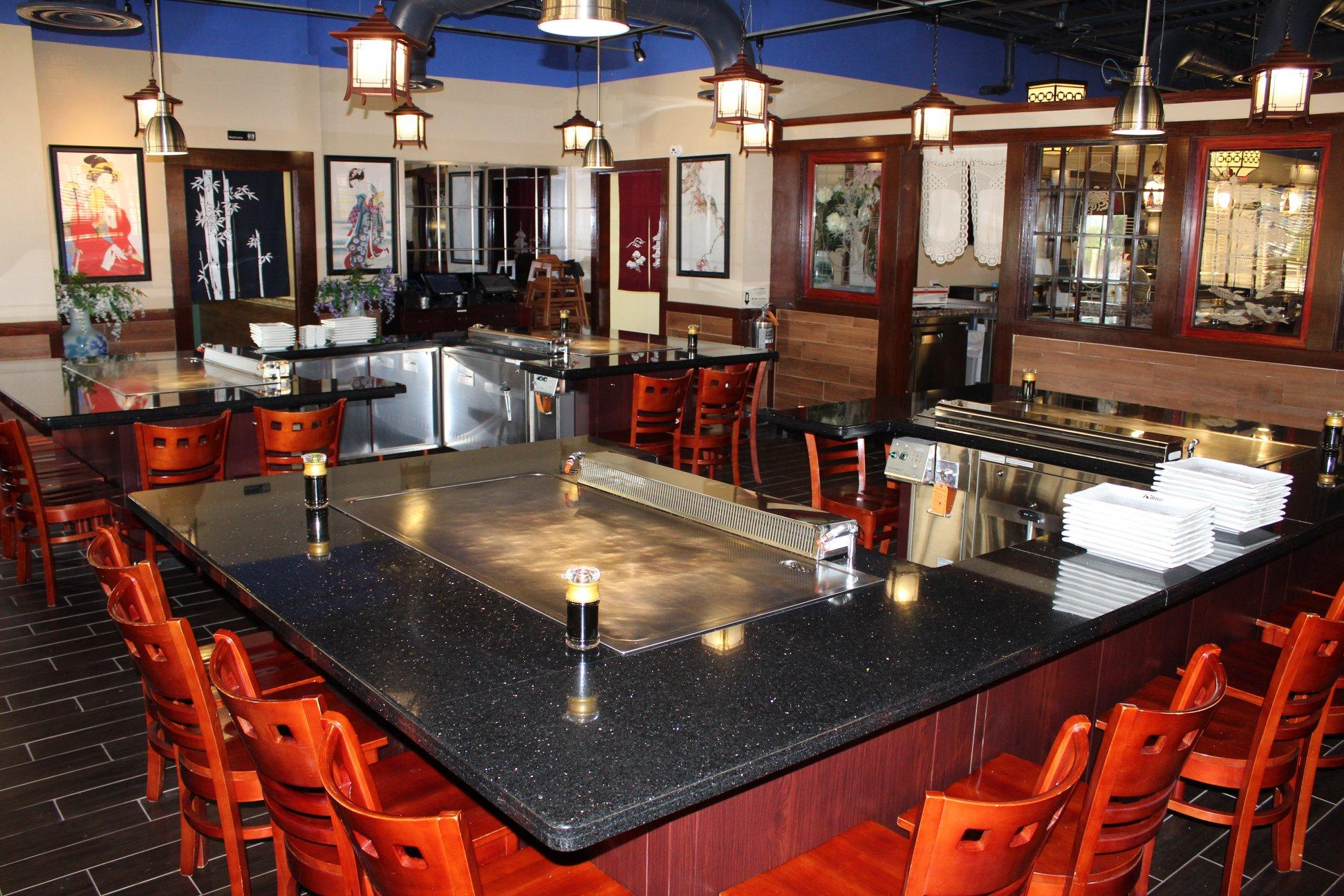 Live Oak Getting Seafood And Show With A New Teppanyaki