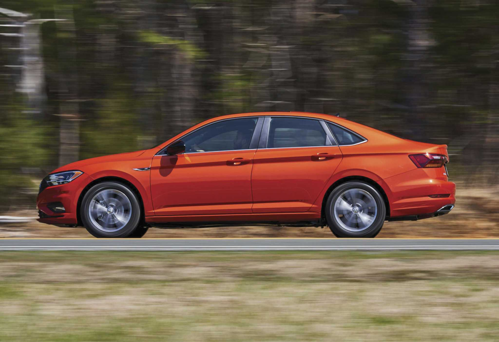 VW's revamped 2019 Jetta R-Line delivers bang for the buck
