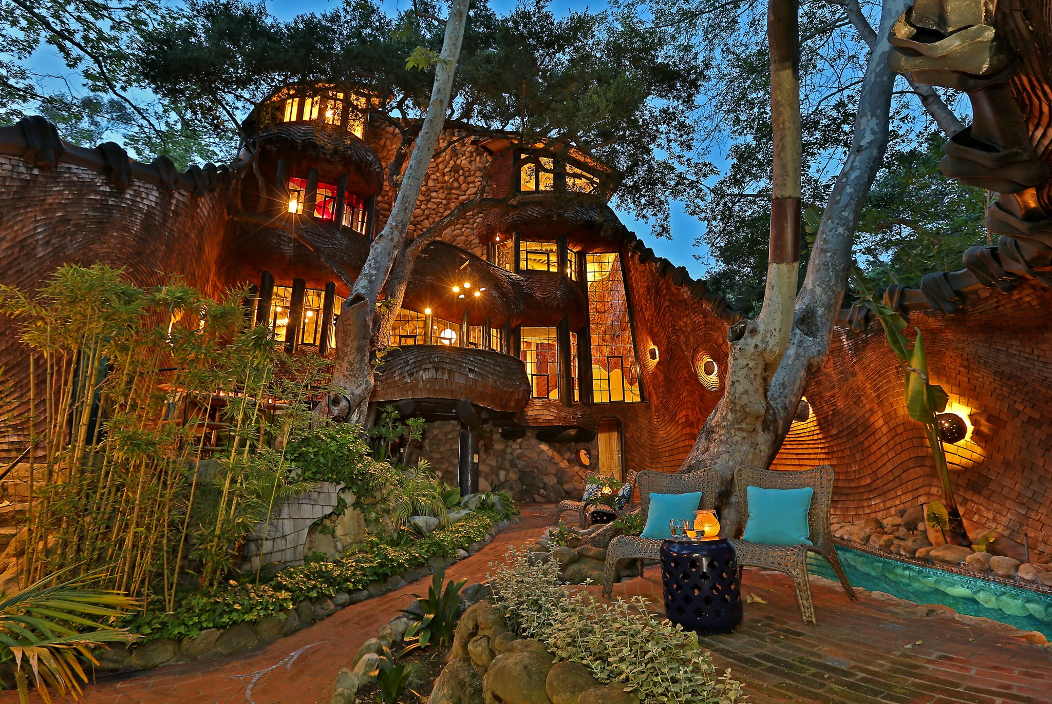 Insanely cool \'Whale House\' on California coast rents for $625 a ...