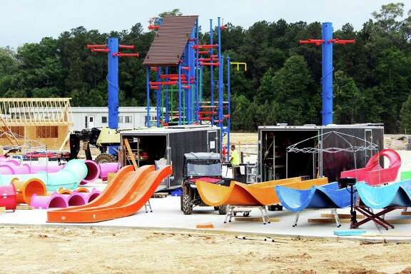 Gator Splash will have eight slides and 300 water features.