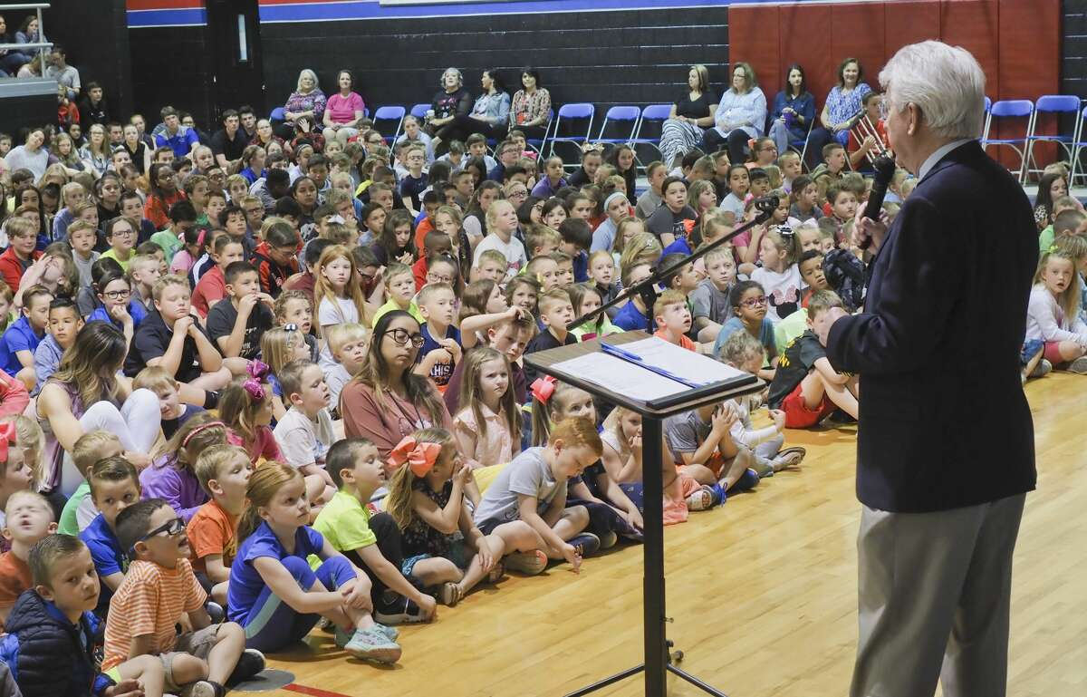 Eddie Lee leads Midland Christian studens 04/30/18 during morning prayer and reflection at MCS. Tim Fischer/Reporter-Telegram