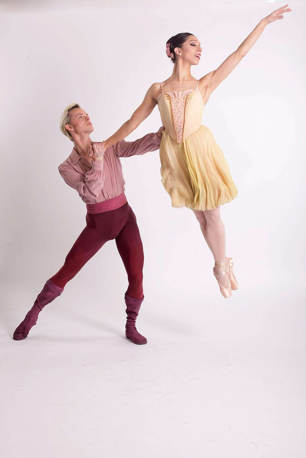 """Christian Squires and Amanda Farris of Diablo Ballet dance in Lew Christensen's """"Four Norwegian Moods"""" Saturday, May 5, at the Del Valle Theater, Walnut Creek. Photo: Aris Bernales"""