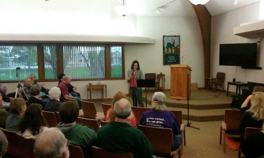 Gubernatorial candidate Gretchen Whitmerspeaks to a sizable crowd at the Unitarian Universalist Church. (John Kennett/jkennett@mdn.net)