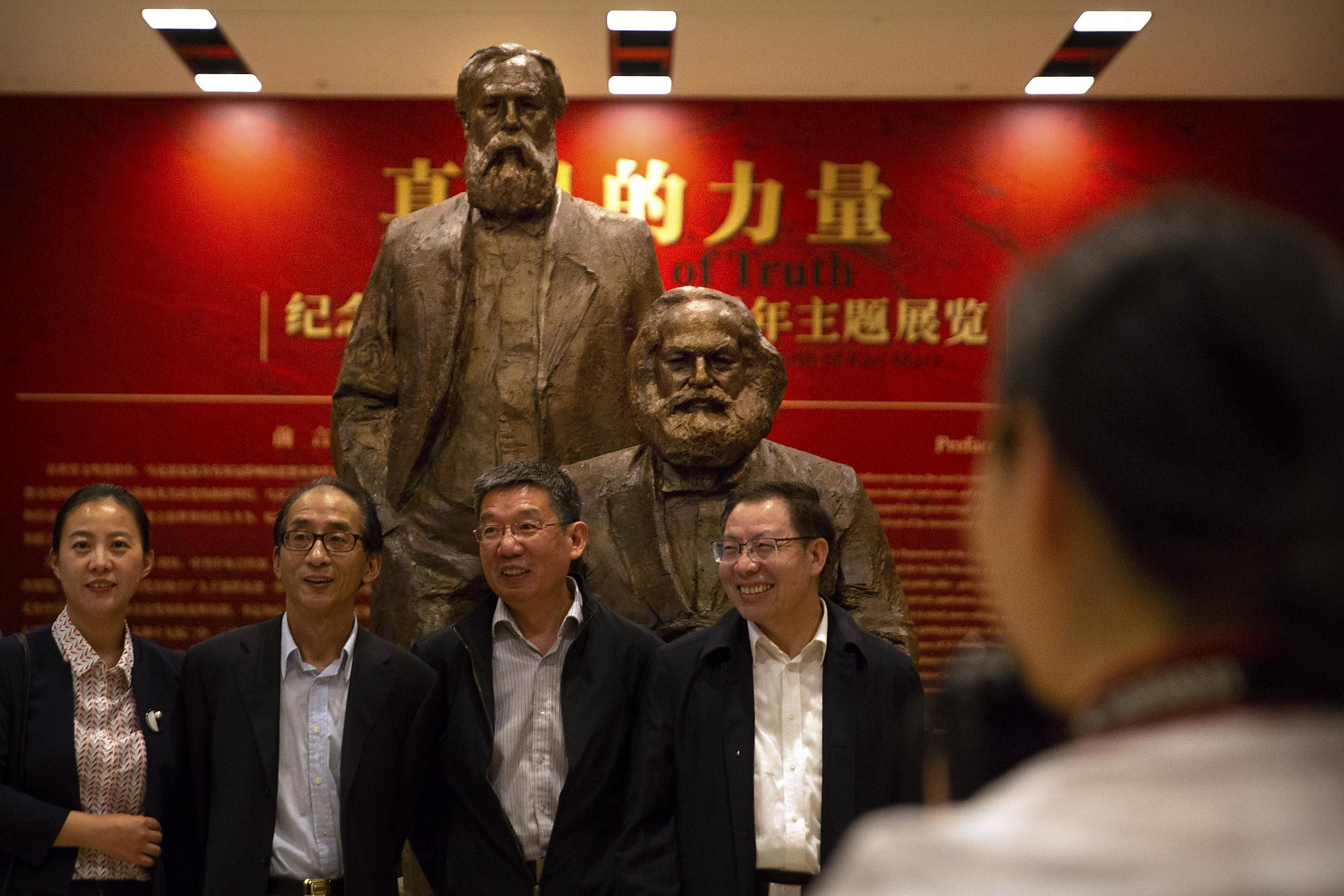 Chinese leader promotes Marx at home, free trade abroad - SFGate
