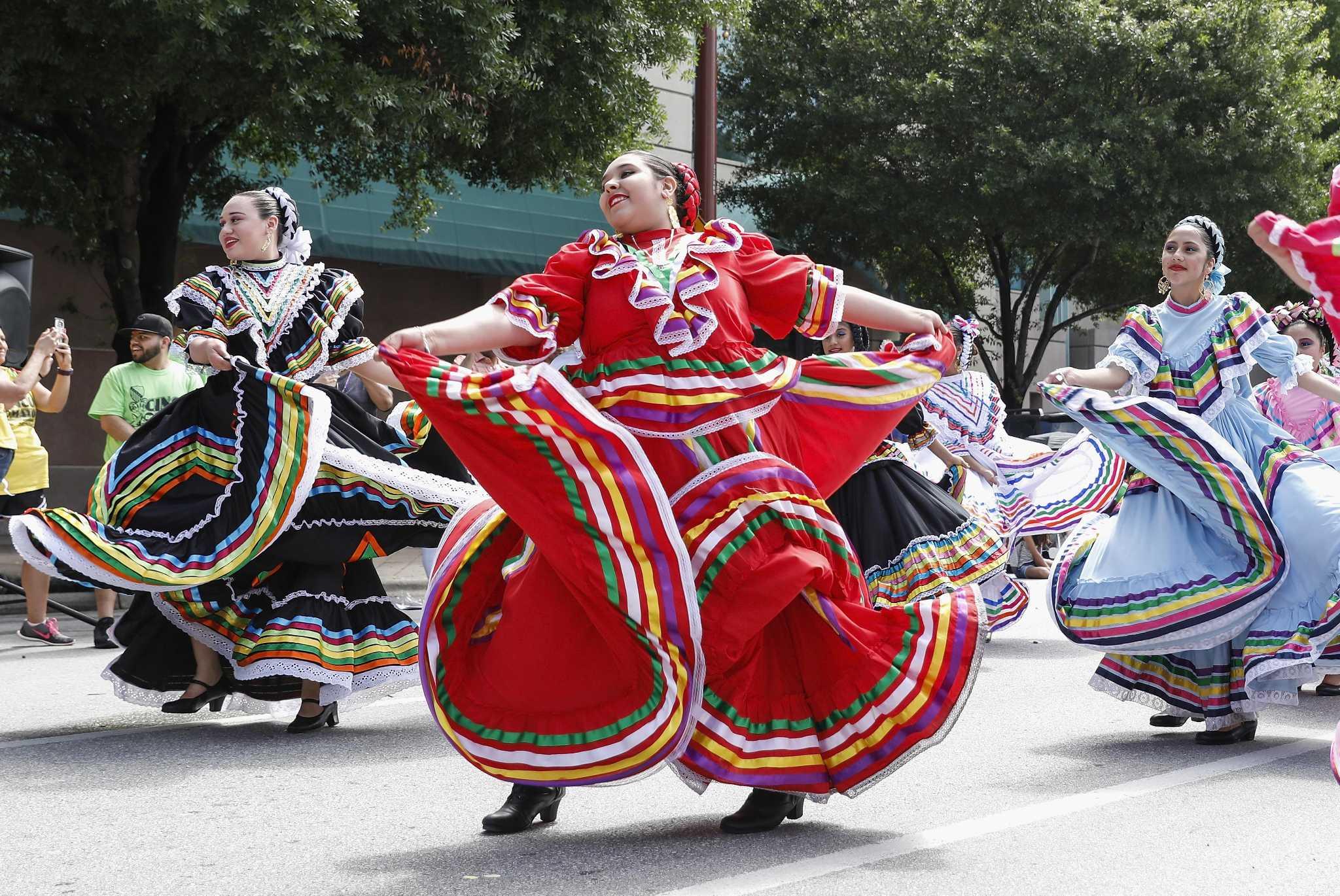 Pride Auto Sales >> Cinco de Mayo parade a colorful expression of heritage, pride