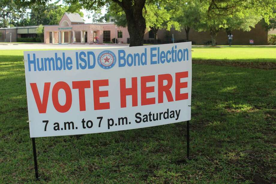 Ah Humble ISD bond election voting sign sits out from of Oaks Elementary School, which served as a polling location on May 5. Photo: Melanie Feuk / Melanie Feuk
