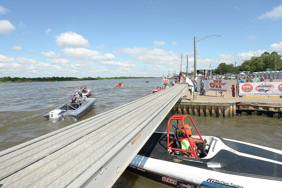 Racers compete during the trial races of Thunder on the Neches at the annual Port Neches Riverfest. Boaters weill compete in the finals Sunday. Photo taken Saturday, May 5, 2018 Kim Brent/The Enterprise Photo: Kim Brent / BEN