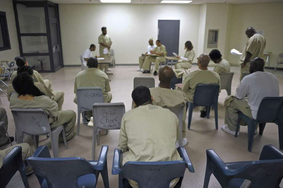 Connecticut's prison population drops to lowest level in 24