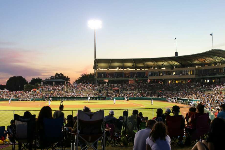 Tickets are now on sale to watch the Flying Chanclas de San Antonio compete in the Texas Collegiate League this summer. Photo: Stacey Lovett, For MySA.com