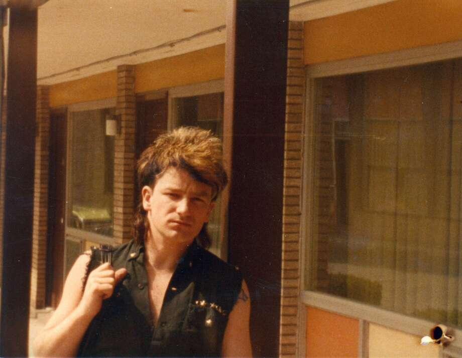 https://s.hdnux.com/photos/73/13/30/15513095/9/920x920.jpg Bono 1983