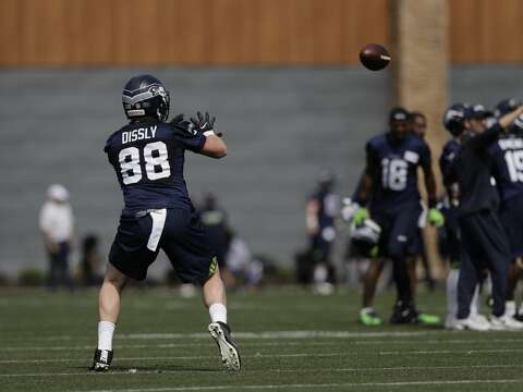 fda14f0c45a  p HOW HE FITS WITH THE SEAHAWKS  Dissly projects to have an important