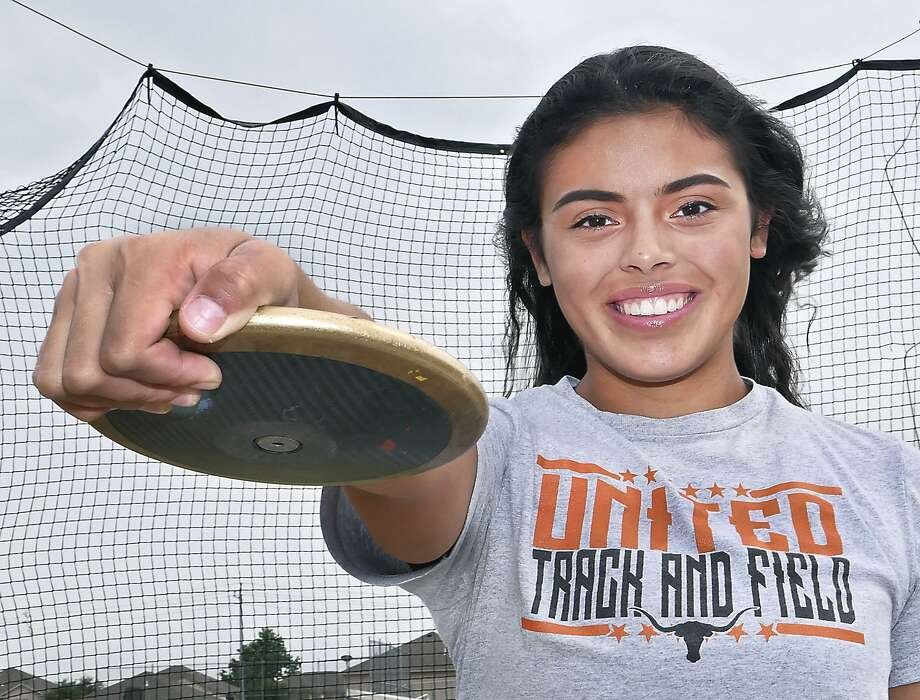 United's Sadey Rodirugez makes her third state meet appearance this week. She took seventh place as a sophomore and earned a bronze medal last year. Photo: Cuate Santos /Laredo Morning Times / Laredo Morning Times