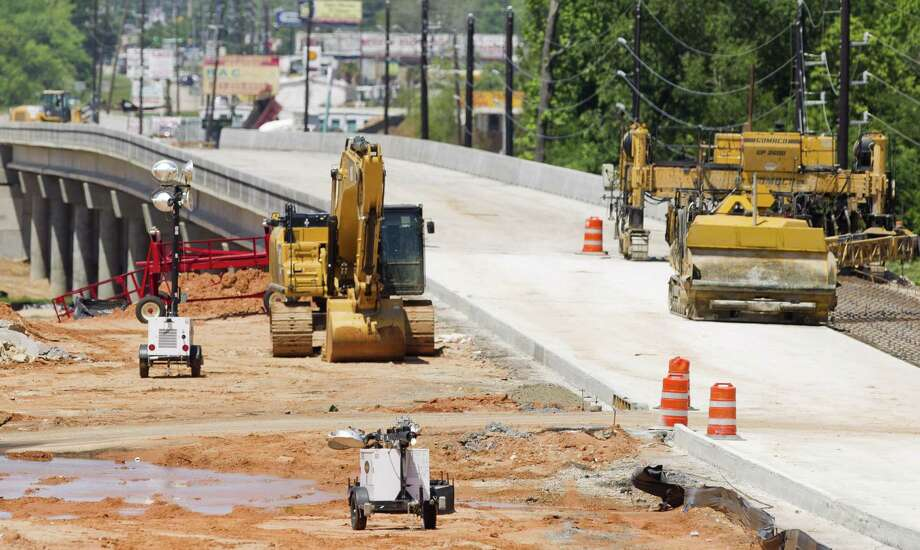 Construction continues on Texas 249 at the Montgomery/Harris county line. Motorists and residents got a chance to see proposed plans to widen Texas 249 along a seven-mile stretch between Beltway 8 to the North Freeway. Photo: Jason Fochtman, Staff Photographer / Houston Chronicle / © 2018 Houston Chronicle