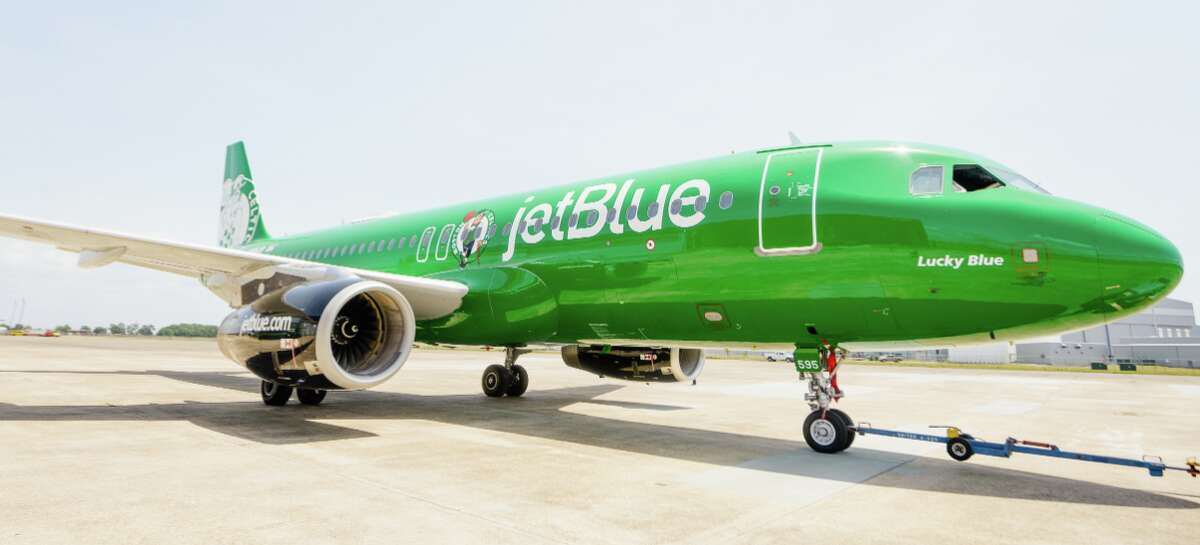 JetBlue has revealed a brand new livery dedicated to the Boston Celtics. The custom-designed aircraft is JetBlue's first co-branded livery dedicated to a team in the NBA.