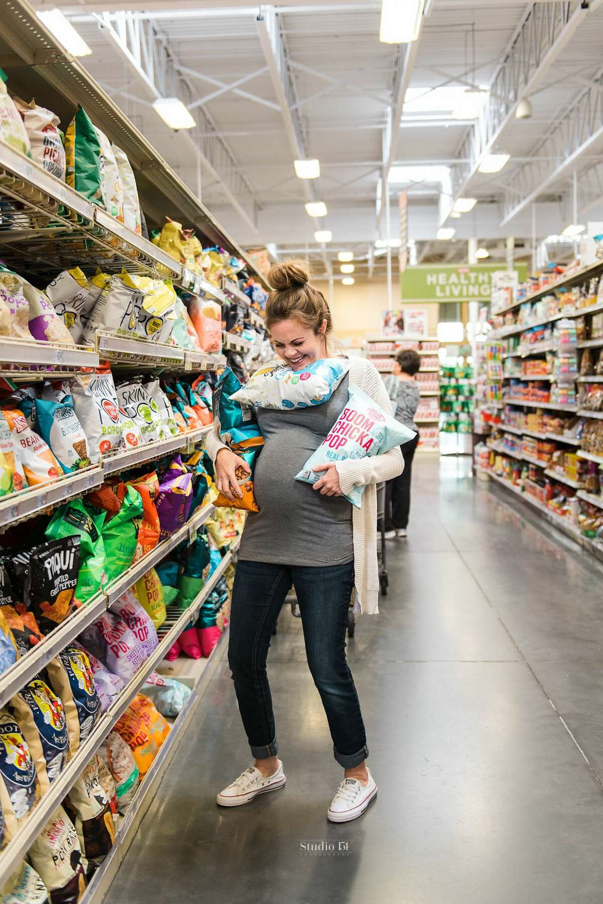 Amy Scott had a maternity photoshoot with photographer Lauren Giles of Studio154 at H-E-B in The Woodlands on April 23, 2018.