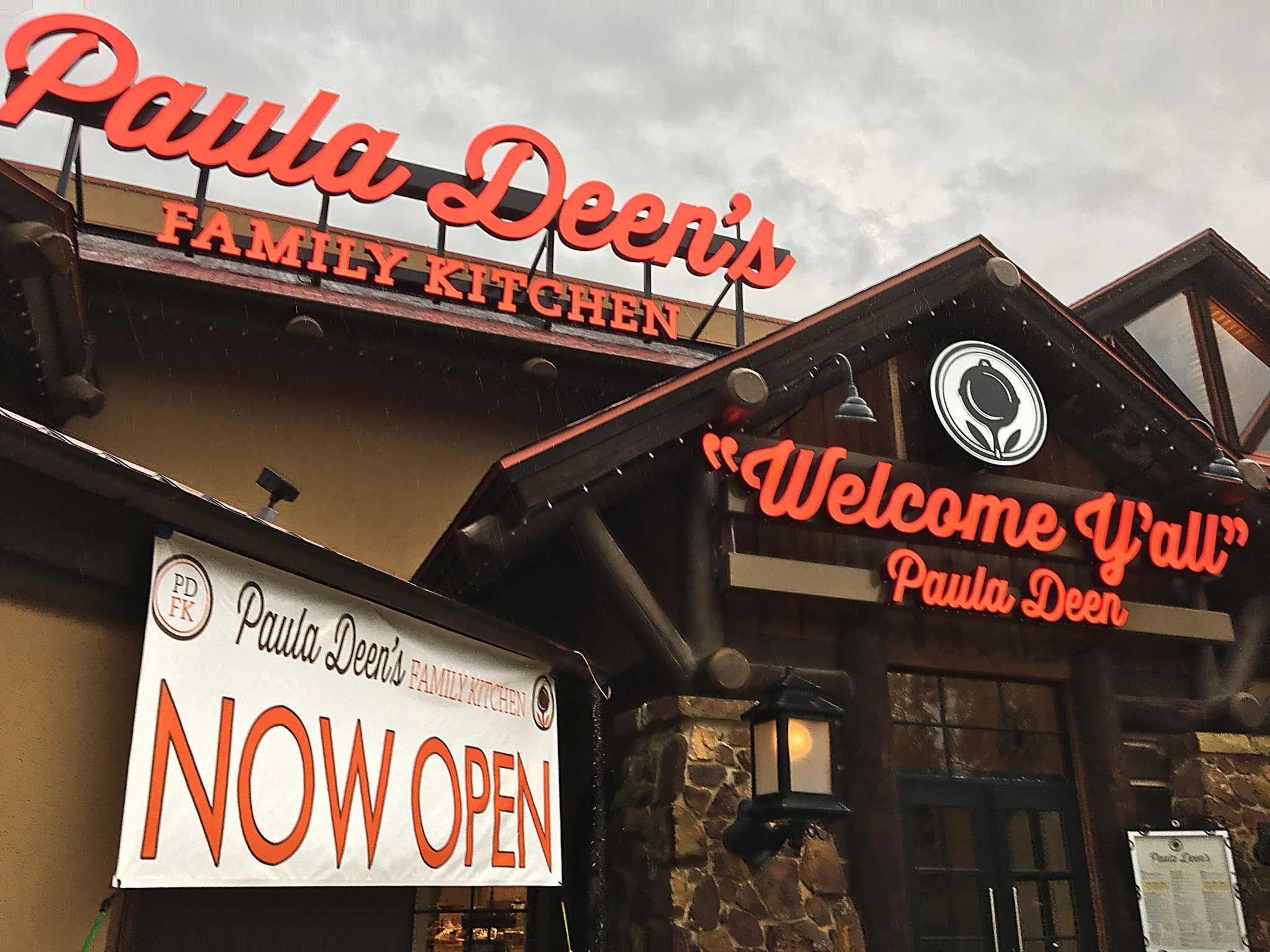 Closed Paula Deen S Family Kitchen Restaurant At San Antonio S The Rim